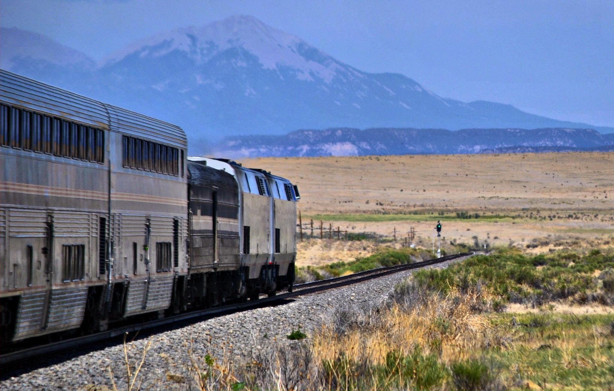 Westbound_Southwest_Chief_-_Colorado